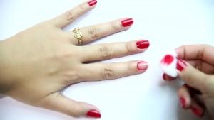 Comment enlever du vernis à ongles sans dissolvant ?