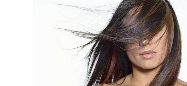 Faut-il colorer ses cheveux l'été ?