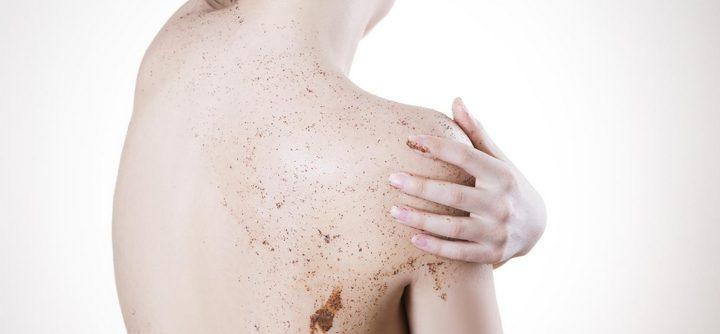 Avoir une peau plus douce grâce au gommage corps