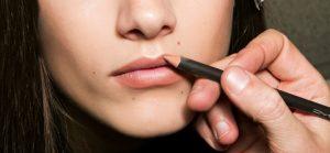 Comment appliquer du crayon à lèvres ?