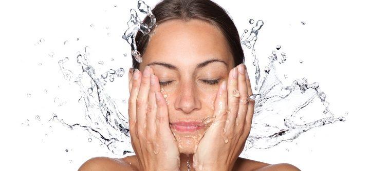 Comment bien nettoyer sa peau en profondeur ?