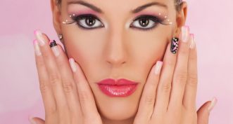 Que penser des faux ongles en résine ?