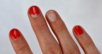Comment retirer du vieux vernis à ongles ?