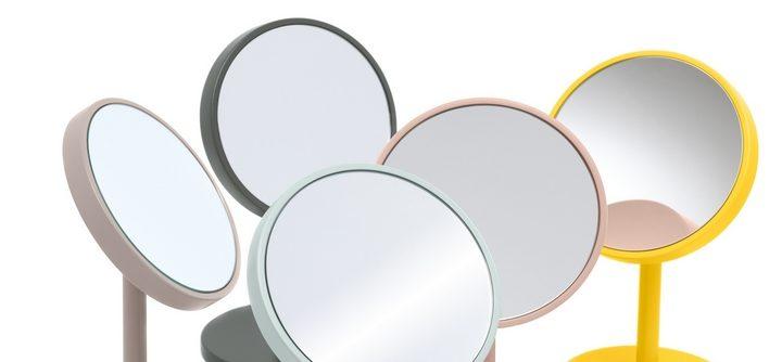 un miroir grossissant pour la salle de bains comment choisir tendance parfums le blog. Black Bedroom Furniture Sets. Home Design Ideas