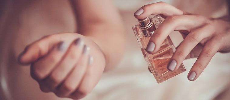 Est-ce que le parfum vire sur la peau ?