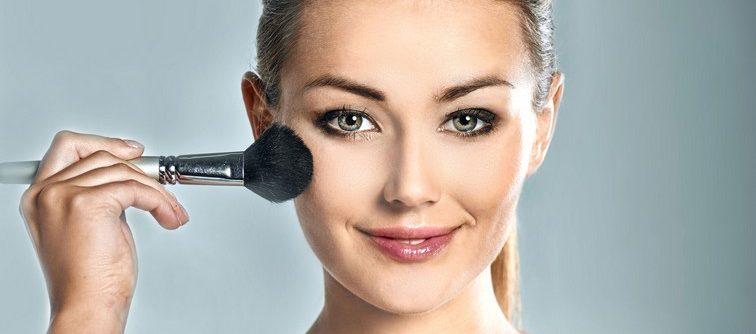 Quel maquillage de fête pour les femmes de 25 à 45 ans ?