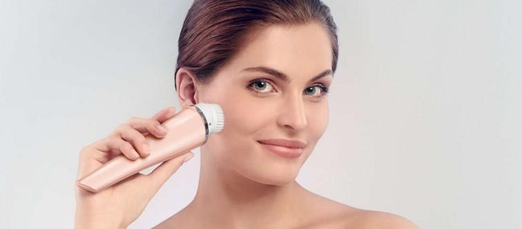 Les brosses nettoyantes pour le visage : pour ou contre ?