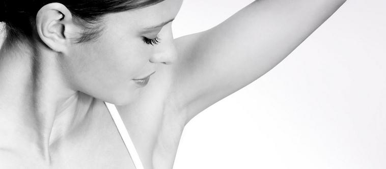 Pour sentir bon votre parfum préféré de la tête au pied, pensez aux déodorants et gels douches des grandes marquesv