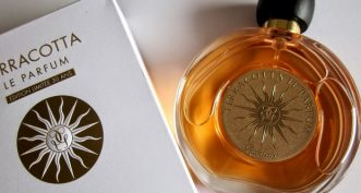 Parfumez votre été avec le doux parfum Terracotta