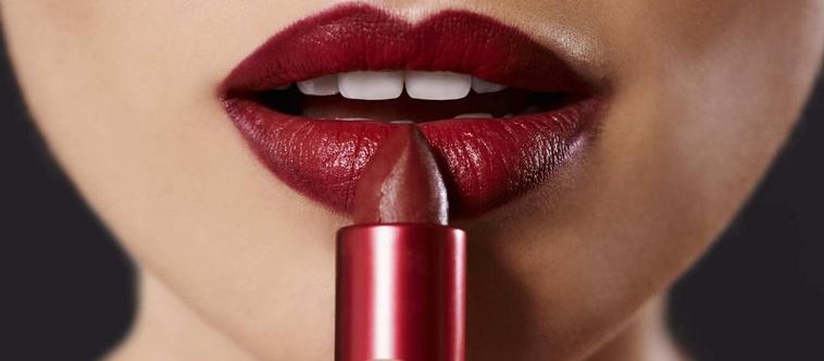 Quels sont les avantages des rouges à lèvres sans transfert ?
