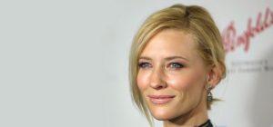 Cate Blanchett renforce son rôle d'égérie pour Giorgio Armani