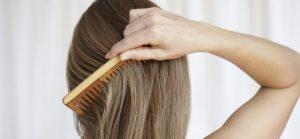 Nos 10 astuces pour ne plus avoir les cheveux emmêlés et éviter les nœuds