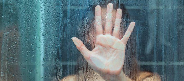 La tendance « Cleansing reduction » : diminuer la fréquence pour laver son visage, son corps et ses cheveux