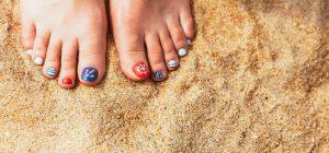 Bien appliquer son vernis sur les pieds tout en choisissant les bonnes couleursBien appliquer son vernis sur les pieds tout en choisissant les bonnes couleurs