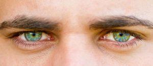 Quel contour des yeux choisir pour un homme ?