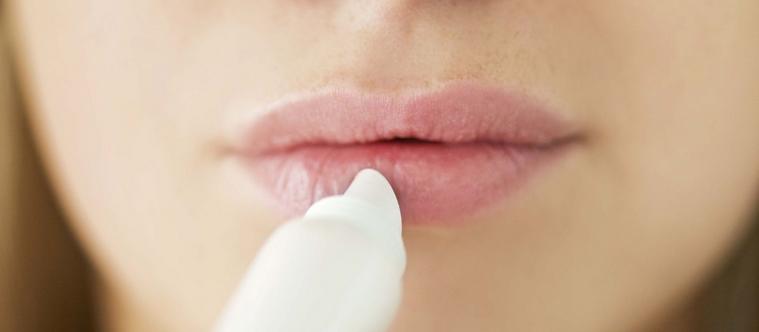 Pourquoi avons-nous les lèvres gercées ?