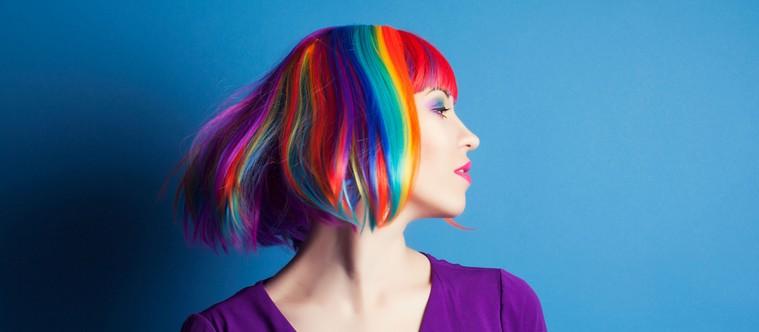 Comment colorer ses cheveux sans les abîmer juste pour une journée ?