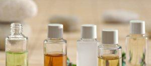 Top 3 des huiles essentielles à avoir dans sa trousse de toiletteTop 3 des huiles essentielles à avoir dans sa trousse de toilette