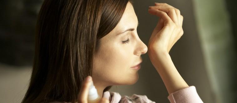 Le parfum dans les produits de soins