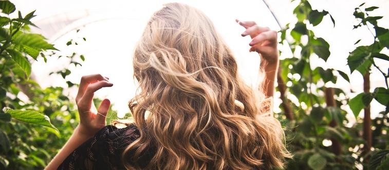 Comment conserver une belle chevelure lors des changements de saisons ?Comment conserver une belle chevelure lors des changements de saisons ?