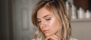 La nouvelle tendance teint le « dewy skin »